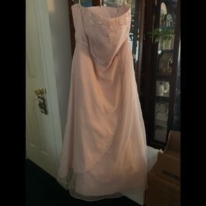 David's Bridal pink blush formal dress - size 22